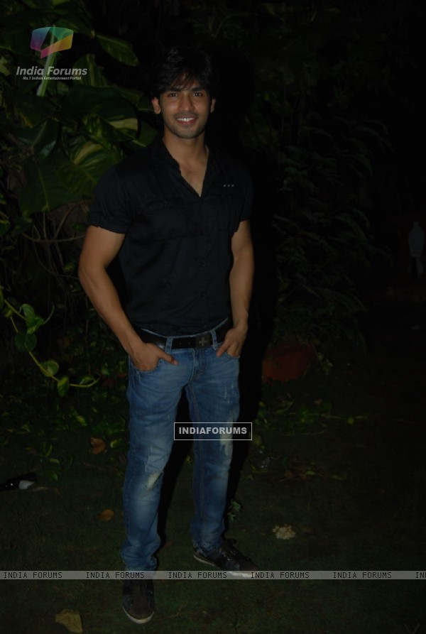 Naman Shaw at Sara Khan birthday bash