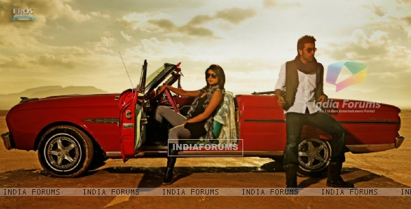 Still image from the movie Anjaana Anjaani (92712)