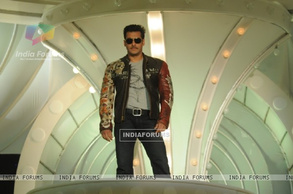 Salaman Khan as a host in Bigg Boss 4