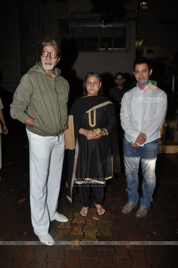 Amitabh Bachchan, Jaya Bachchan and Aamir Khan at the screening of Peepli Live movie in Bandra