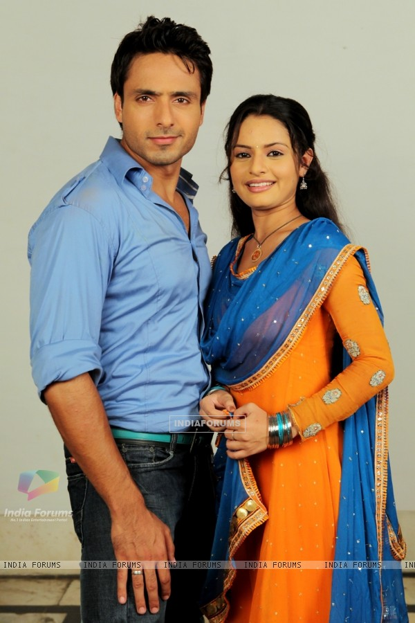 Iqbal Khan and Binny Sharma in tv show Sanjog Se Bani Sangini
