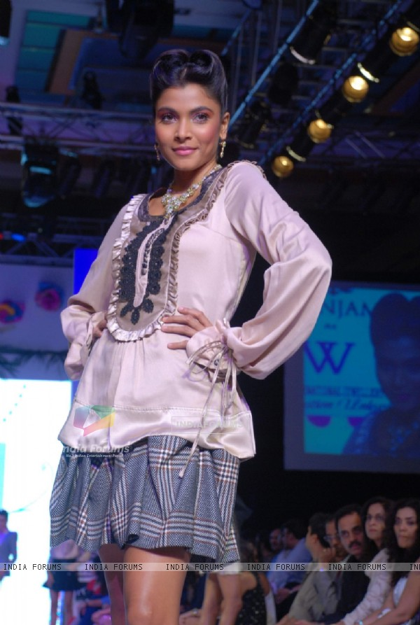 Model on the ramp at Ganjam Nagappa show at the India International Jewellery Week on Day 3