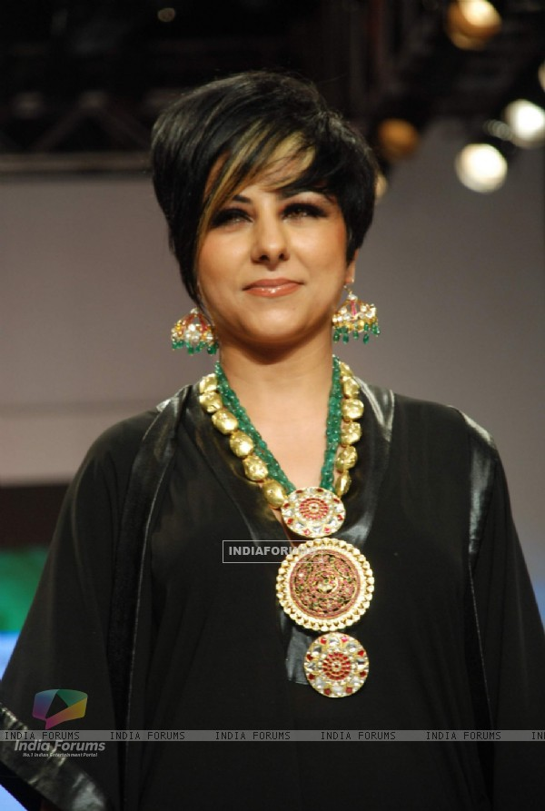 Hard Kaur on the ramp at Bhirdhi Chand show at the India International Jewellery Week on Day 3