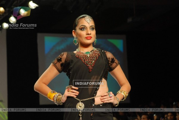 Model on the ramp at Amaraapali show at the India International Jewellery Week on Day 4