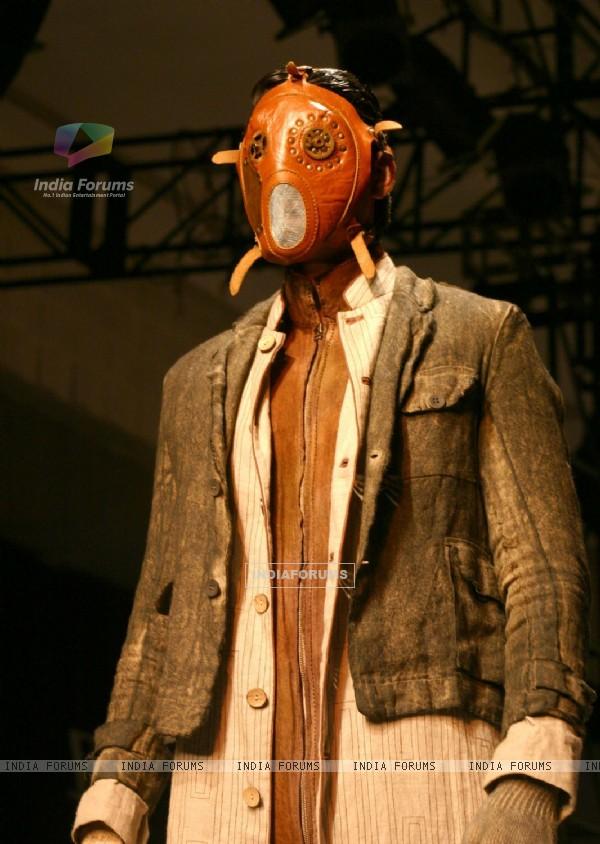 "A model showcasing designer Samant Chauhan''s creation at the ""Ven Heusen India Mens Week"" , in New D"
