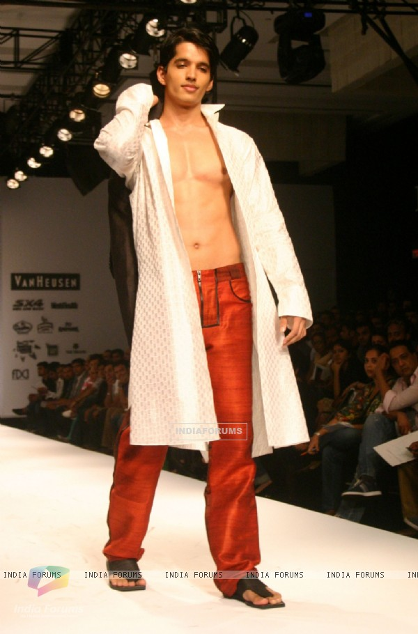 A model showcasing designer Wendell Rodricks''s creation at the Ven Heusen India Mens Week, in New Delhi