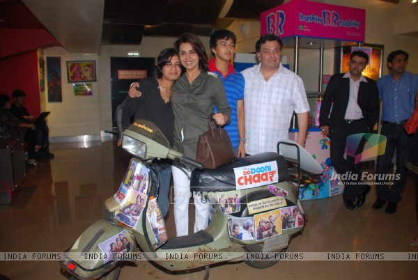 Rishi and Neetu Kapoor at Do Dooni Chaar Press Conference at PVR (97119)