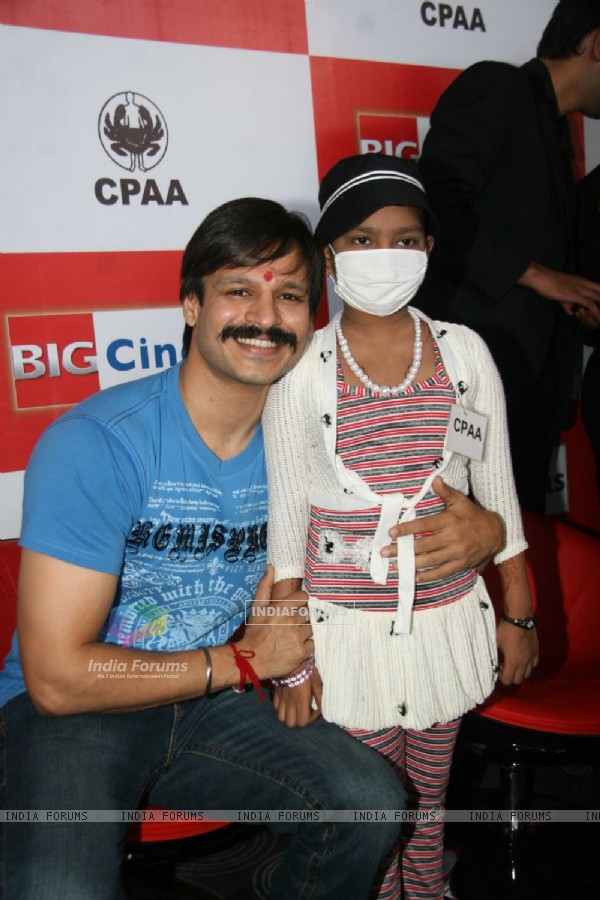 Vivek celebrates birthday with CPAA kids at Wadala