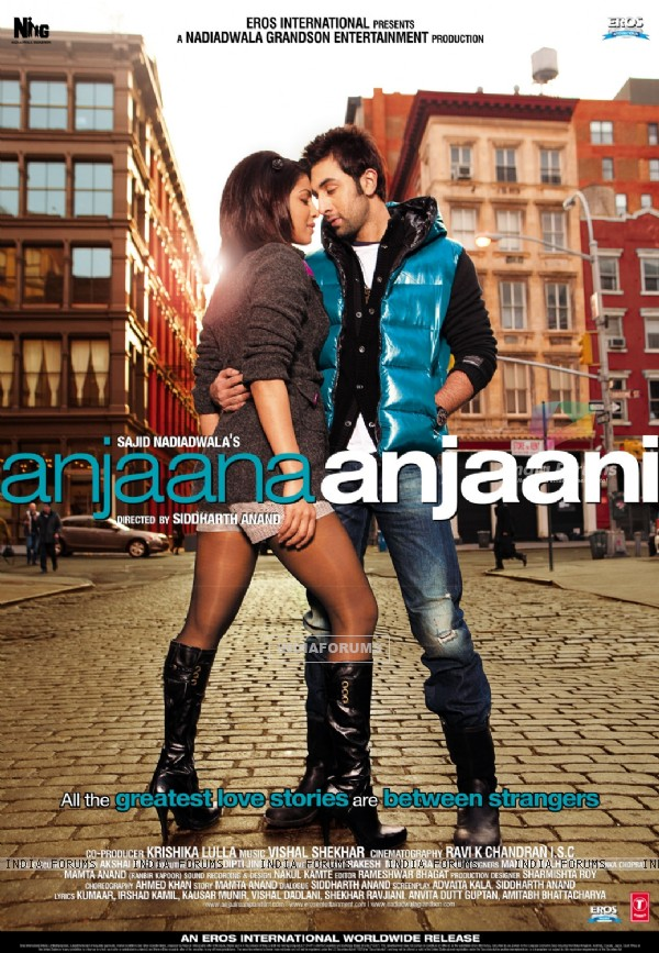 Poster of the movie Anjaana Anjaani (97348)