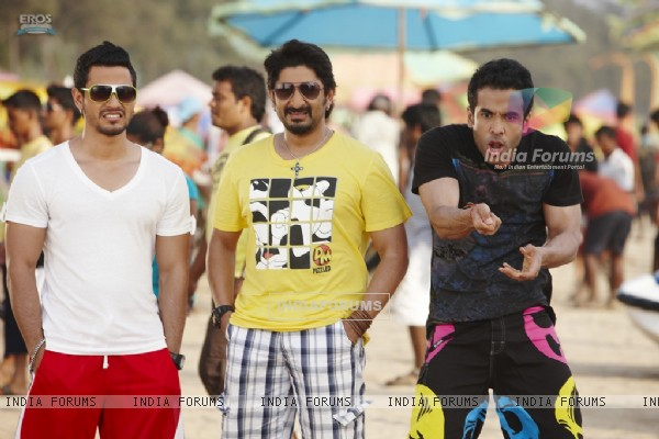 Still image from the movie Golmaal 3 (97378)