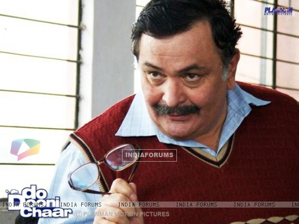 Rishi Kapoor as an actor in the movie Do Dooni Chaar