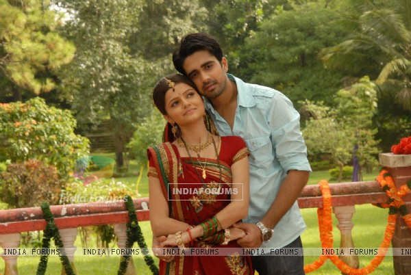 Avinash and Rubina as Dev and Radhika