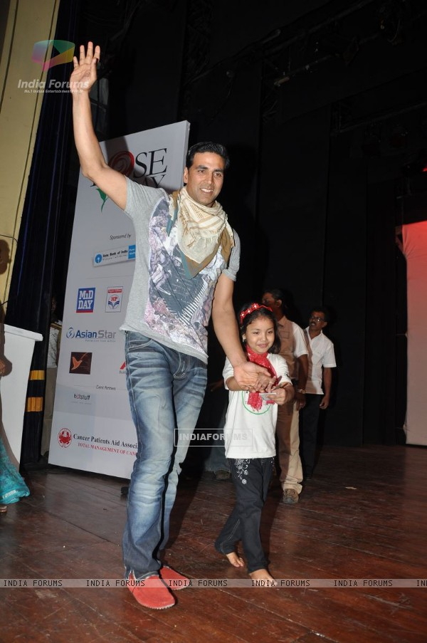 Akshay Kumar spend time with cpaa kids