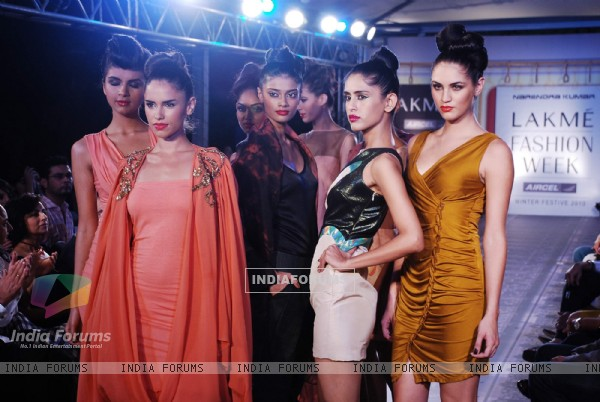 Glam models and celebs at Lakme Winter opening night at Tote