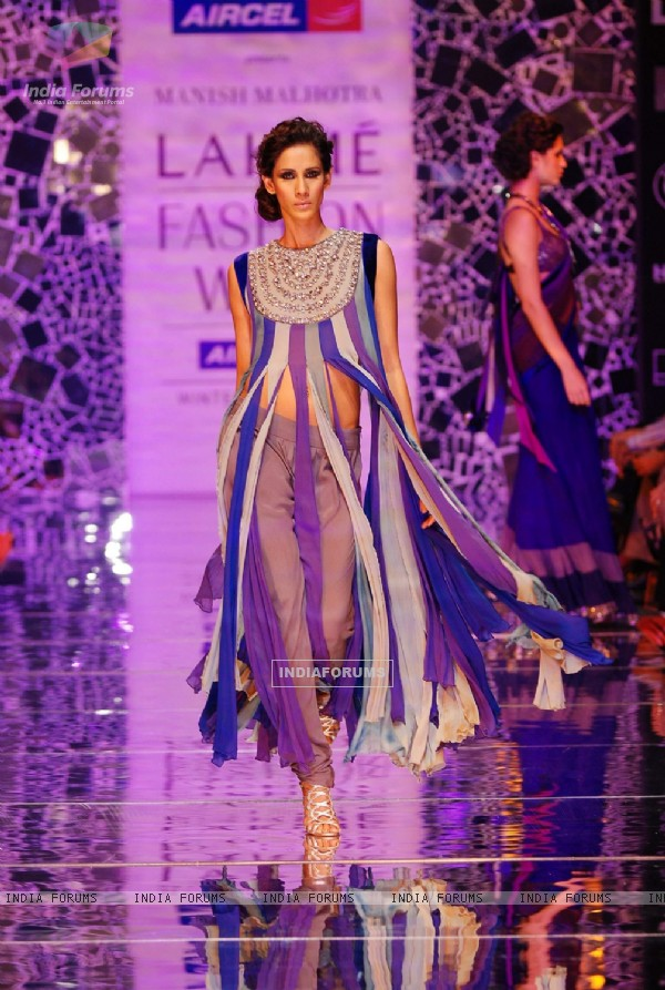 Manish showcases at lakme fashion week