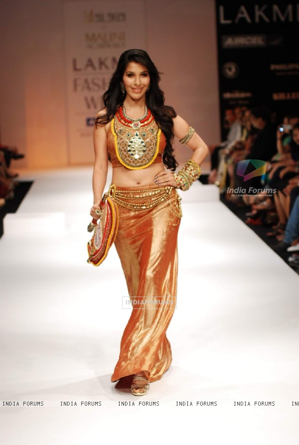 Sophie Chaudhary walks the ramp at Malaga show for Lakme Fashion Week