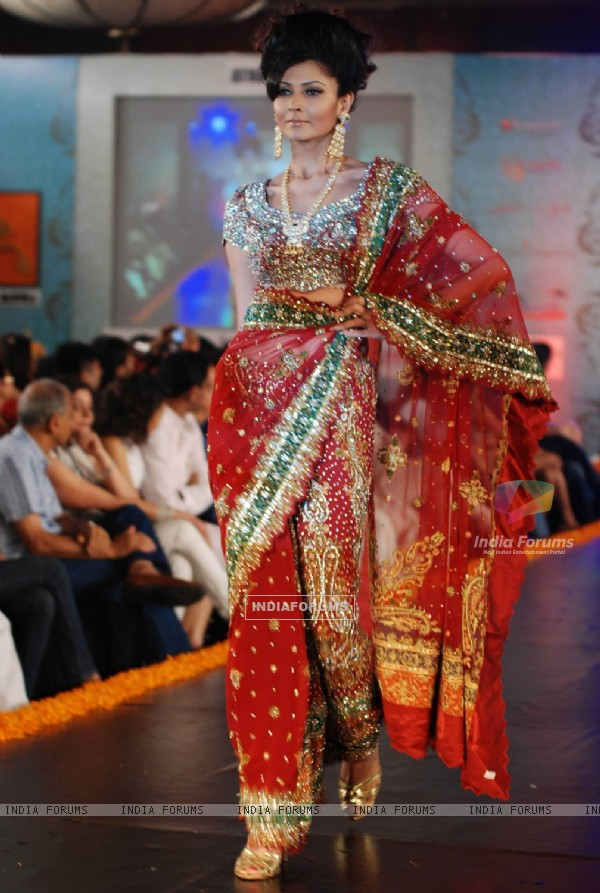 Model at Indian Princess 2011 at JW Marriott