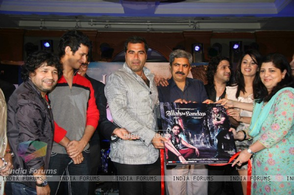 Kailash Kher, Sharman Joshi, Shailendra Singh, Faruk Kabir, Anjana Sukhani and Rukhsar at the music launch of Allah Ke Bandey at JW Marriot, juhu in Mumbai
