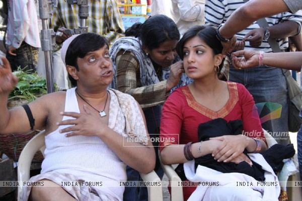Pallavi Sharda getting ready on the sets of Dus Tola
