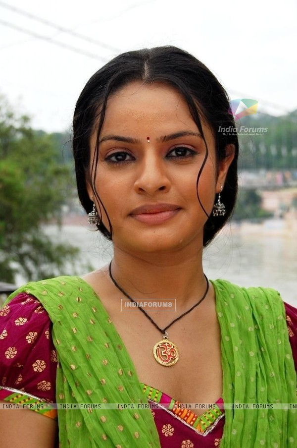 Binny Sharma as Gauri in tv show Sanjog Se Bani Sangini