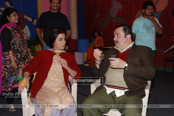 Rishi, Neetu on the sets of Taarak Mehta Ka Ooltah Chasmah at Kandivli