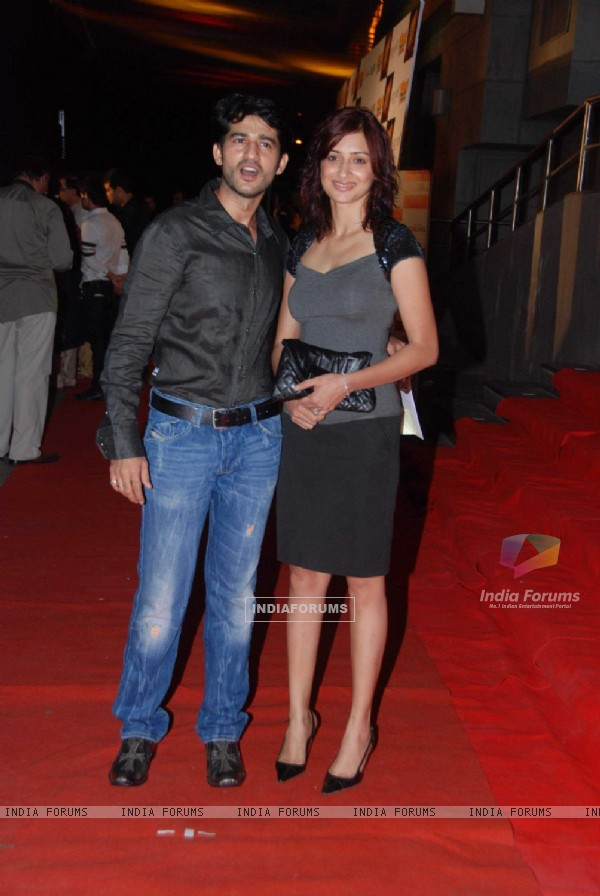 Hiten and Gauri Tejwani at Khichdi the movie premiere at Cinemax