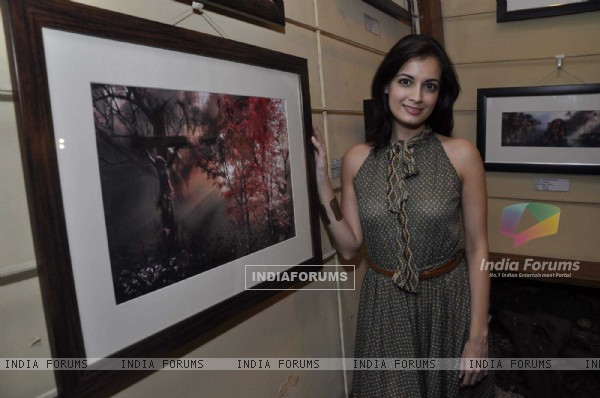 Dia Mirza inaugurates Pankaj Parashar's painting exhibitionn at Out of the Blue, Bandra, Mumbai, Wednesday Night