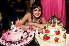 Popular Actor Tina Dutta celebrates her birthday with close friends