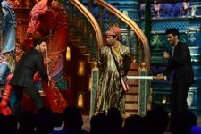 Ranveer Singh and Arjun Kapoor's masti on Comedy Circus Ke Mahabali!