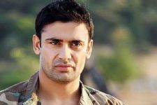 Sangram plays aggressive sports coach in 'Uvaa'