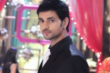 Did you know: Shakti Arora is a Tarot reader?