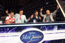 Legendary Sukhwinder Singh sings for Sonakshi on Indian Idol!