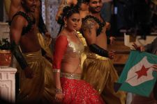 Jasveer Kaur Does An Item Number For An Upcoming Bollywood film!