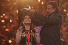 Proneeta wins Dance India Dance Trophy