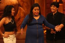Falguni Pathak, Udit Narayan, Neha Kakkar and Bappi Laihiri on Comedy Nights...!