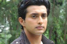 #Omg: Actor Yash Pandit booked for rape charges!