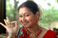 Supriya Pathak likes juggling between shoots