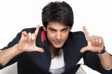 Karan Wahi gears up for a special act for Comedy Classes.