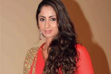 Sangita Ghosh learns swimming for a TV show
