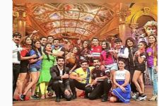 A 'star studded' guest list in the upcoming episode of 'Comedy Nights Bachao'..!
