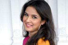 Jasmin Bhasin shoots with rats for a TV show!