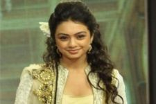 Abigail Pande is BACK on TV with another youth show!