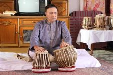 Anang Desai reconnects with his classical roots on the sets of Tamanna!