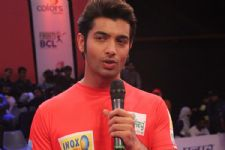 Ssharad Malhotraa's love for cricket..!