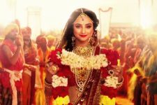 Madirakshi makes gajra on the set of 'Siya Ke Ram'