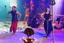 Leaked: Arjun Bijlani and Mouni Roy's Taandav in Naagin!