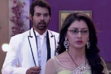Pragya locks herself in a room in Kumkum Bhagya!