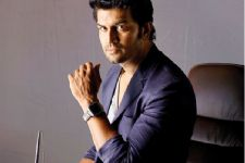 Why is Sharad Kelkar heading to Malaysia?