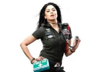 Kavita Kaushik's 'CLAUSTROPHOBIC' experience on a flight!