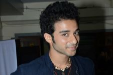 Raghav Juyal shoots despite ill health